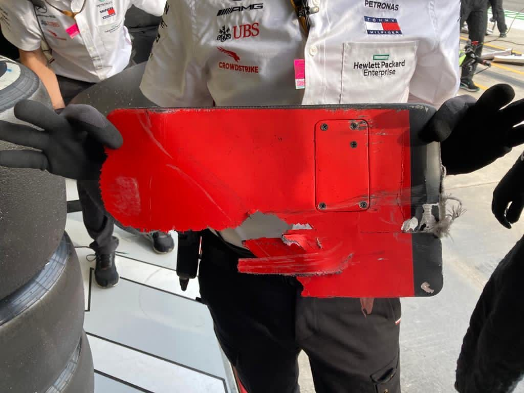 Visszaadta a Mercedes a Ferrarinak a Bottas futamát elrontó darabot