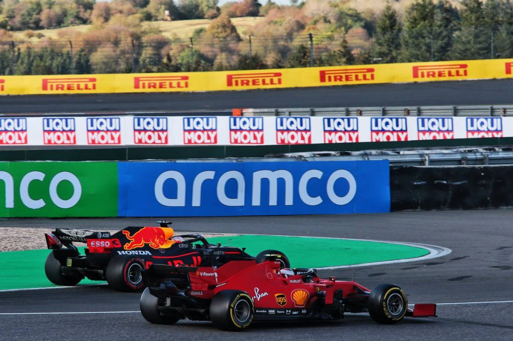 A Ferrari és a Renault keresztbe tesz: oda a Red Bull Honda-terve?