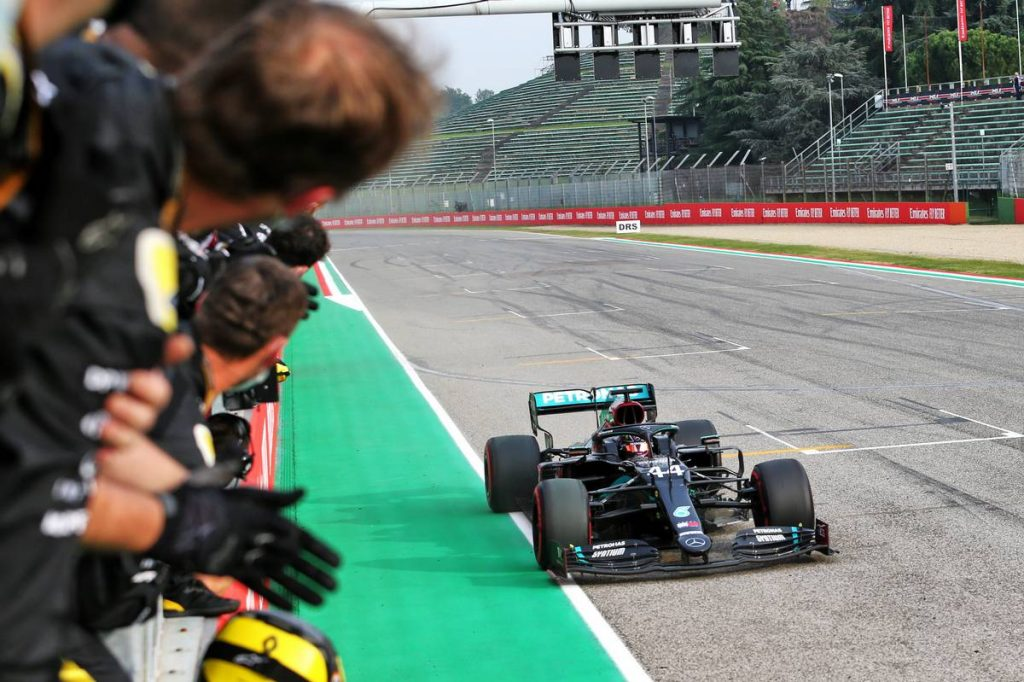 Megvalósult a falra tűzött őrült cél: 7-szeres bajnok a Mercedes!