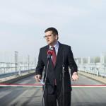 Tunyogmatolcs, 2014. november 7. Seszták Miklós nemzeti fejlesztési miniszter beszédet mond a Szamos-Kraszna-közi árvízszint-csökkentő tározó avatásán Tunyogmatolcs határában 2014. november 7-én. MTI Fotó: Balázs Attila