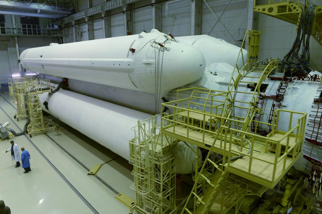 Az Angara rakéta szerelő- és tesztelőcsarnoka Pleszeckben. (Fotó: AFP)