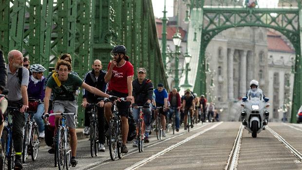 Forgalomkorlátozások lesznek Budapesten vasárnap