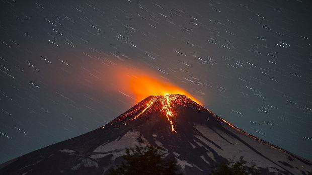 A Santiago de Chilétől 750 kilométerre délre elterülő, felébredt Villarica tűzhányó. (Fotó: EPA/Francisco Negroni)