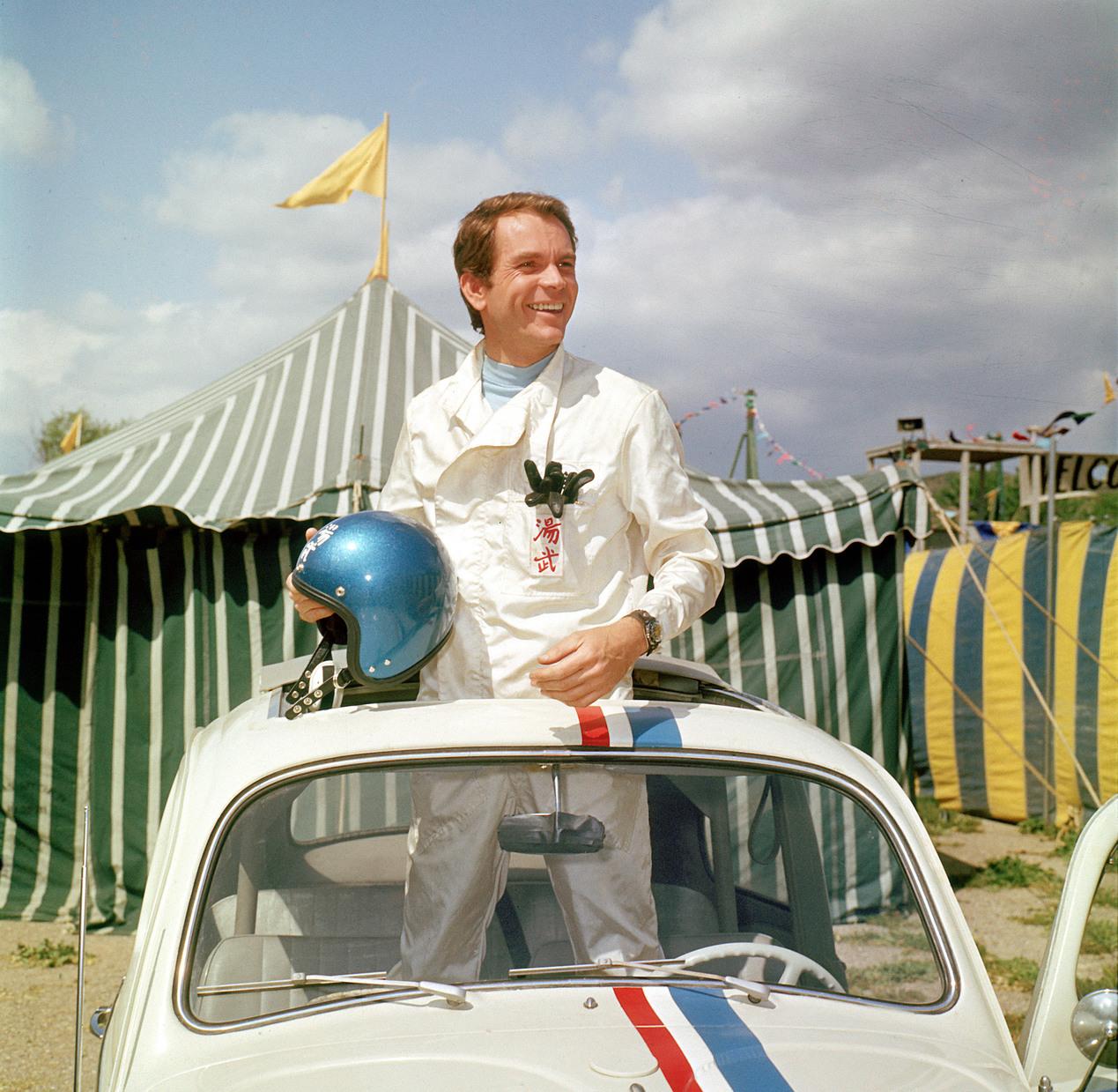Dean Jones az A kicsi kocsi kalandjai című filmben. (Fotó: Rex Features)