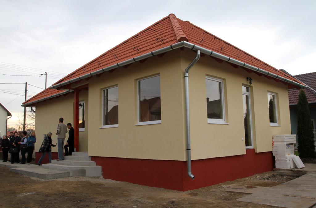 Könnyűszerkezetes technológiával felépült új családi ház Felsőzsolcán. MTI Fotó: Vajda János