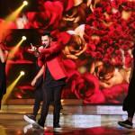 Oláh Gergő lép fel az Eurovíziós Dalfesztivál magyar versenye, A Dal 2016 című televíziós showműsor döntőjében a Médiaszolgáltatás-támogató és Vagyonkezelő Alap (MTVA) óbudai gyártóbázisán 2016. február 27-én. MTI Fotó: Mohai Balázs
