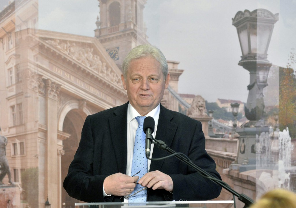Tarlós István főpolgármester sajtótájékoztatót tart a Városházán. MTI Fotó: Máthé Zoltán