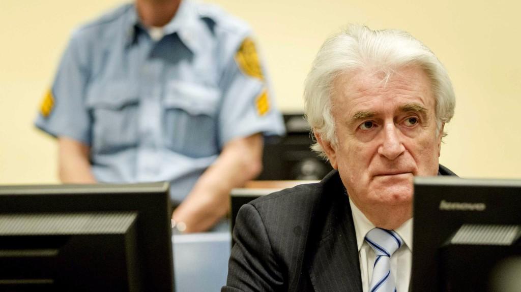 Brit börtönbe szállítják a boszniai mészárost
