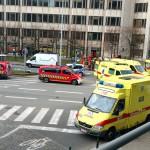 Tűzoltók és mentősök a brüsszeli Maelbeek nevű metróállomáson, miután robbantás történt a helyszínen 2016. március 22-én. Legkevesebb huszonegy halálos áldozata van Brüsszelben a Zaventem nemzetközi repülőtéren és a metróállomáson történt reggeli robbantásoknak Pierre Meys, a belga főváros tűzoltóságának szóvivője szerint. (MTI/AP/Sylvan Plazy)