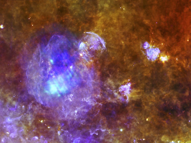 Supernova az Európai Űrügynökség (European Space Agency) Herschel  űrtávcsövének képalkotó rendszerével 2012. November 15-én  megfigyelve (Fotó: Reuters/Herschel)