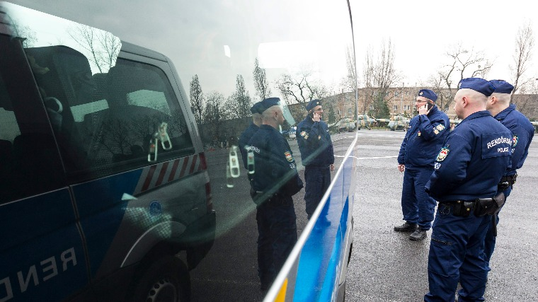 Magyar rendőrkontingens. MTI Fotó: Szigetváry Zsolt