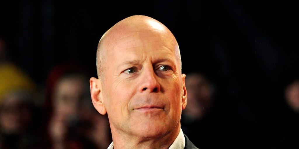 Bruce Willis ismét John McClane szerepében adja drágán az életét
