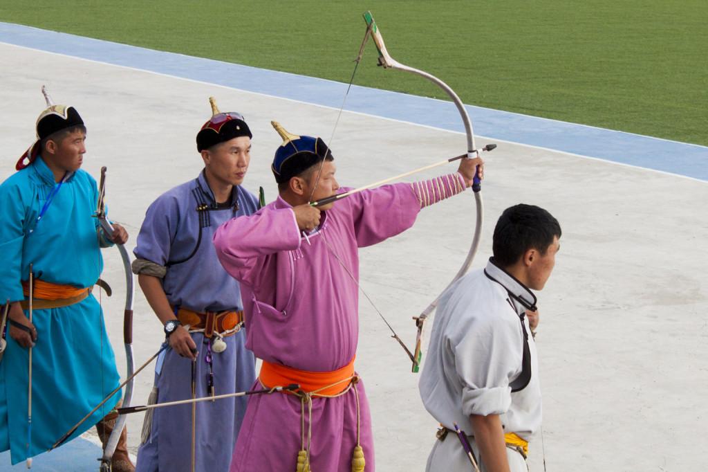 Mongol íjászok korhű tatár ruhában. Fotó: Wikimedia/Chinneeb