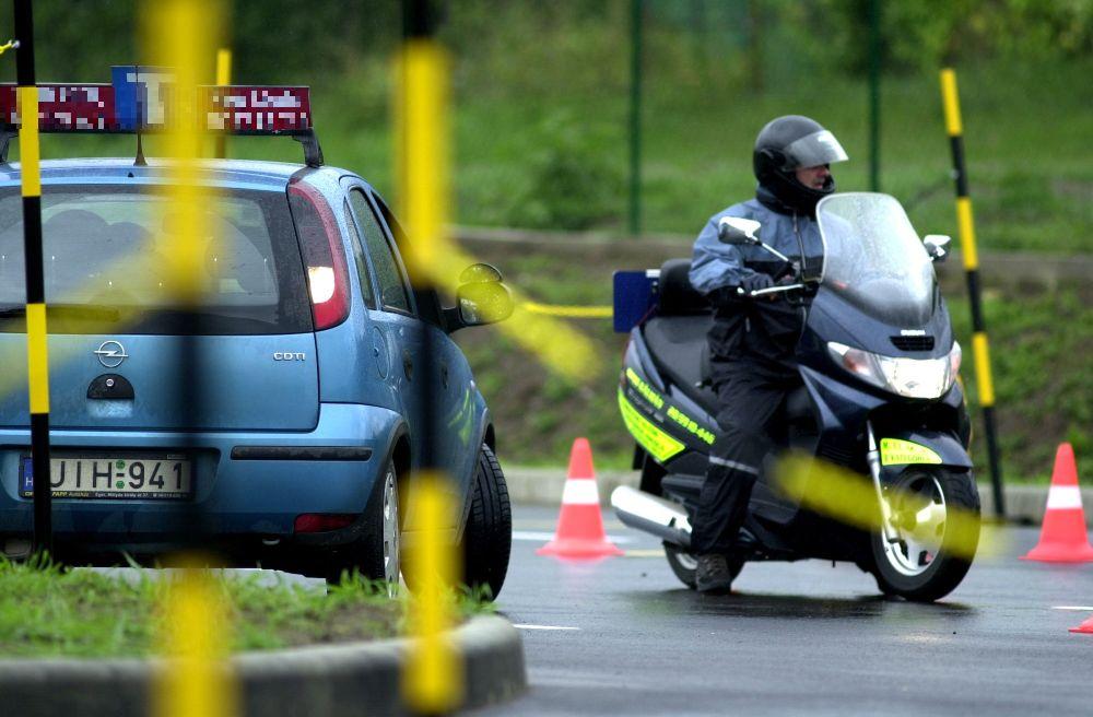 A felfüggesztés után egyre több a közlekedési vizsga