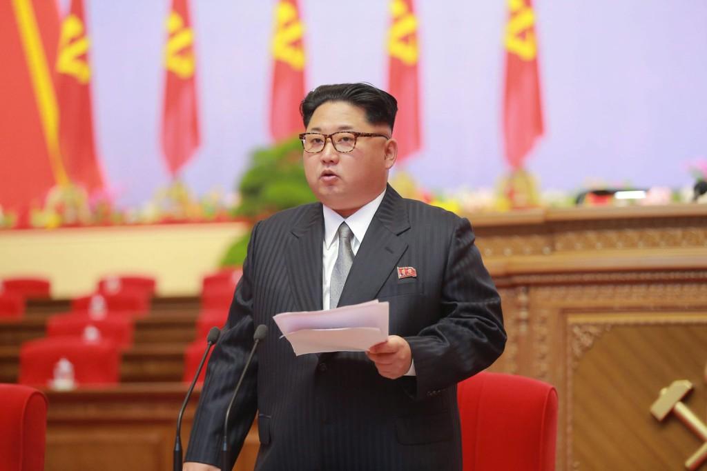Kim Dzsong Un első számú észak-koreai vezető, a kommunista Koreai Munkapárt első titkára. MTI/EPA/KCNA
