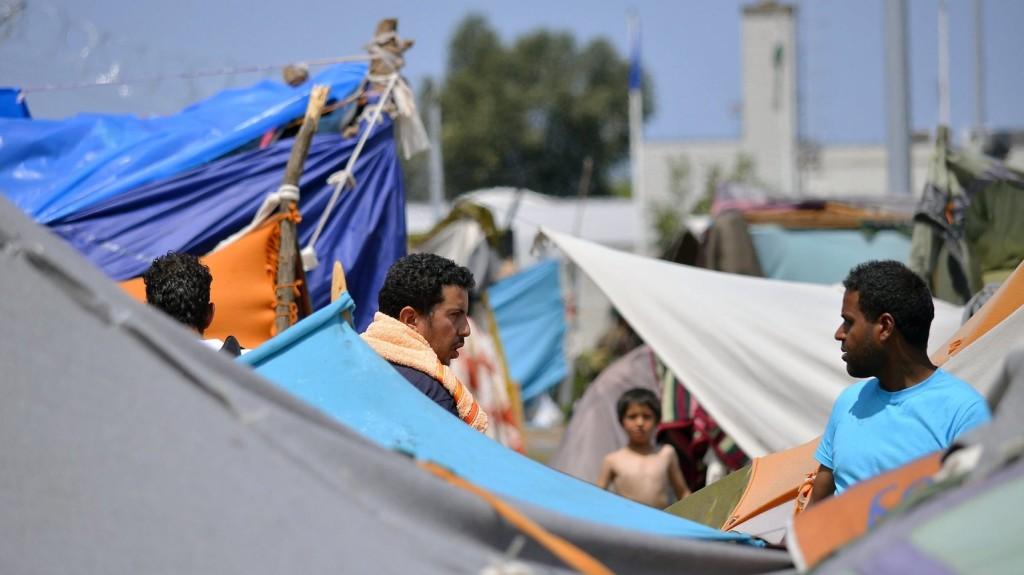 Tartálykocsiba rejtőzött migránsok haltak meg Szerbiában