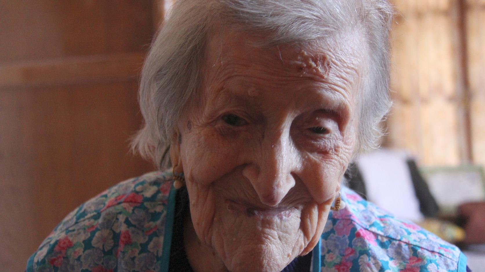 Verbania, 2016. június 27. A 116 éves olasz Emma Morano, a világ legidősebb embere az észak-olaszországi Verbaniában lévő otthonában 2016. június 27-én. Az 1899. november 29-én született Emma Martina Luigia Morano Martinuzzi lett a világ legidősebb embere, miután elődje, az amerikai Susannah Mushatt Jones május 12-én New Yorkban elhunyt 116 éves korában. MTI Fotó: Mészáros Márton