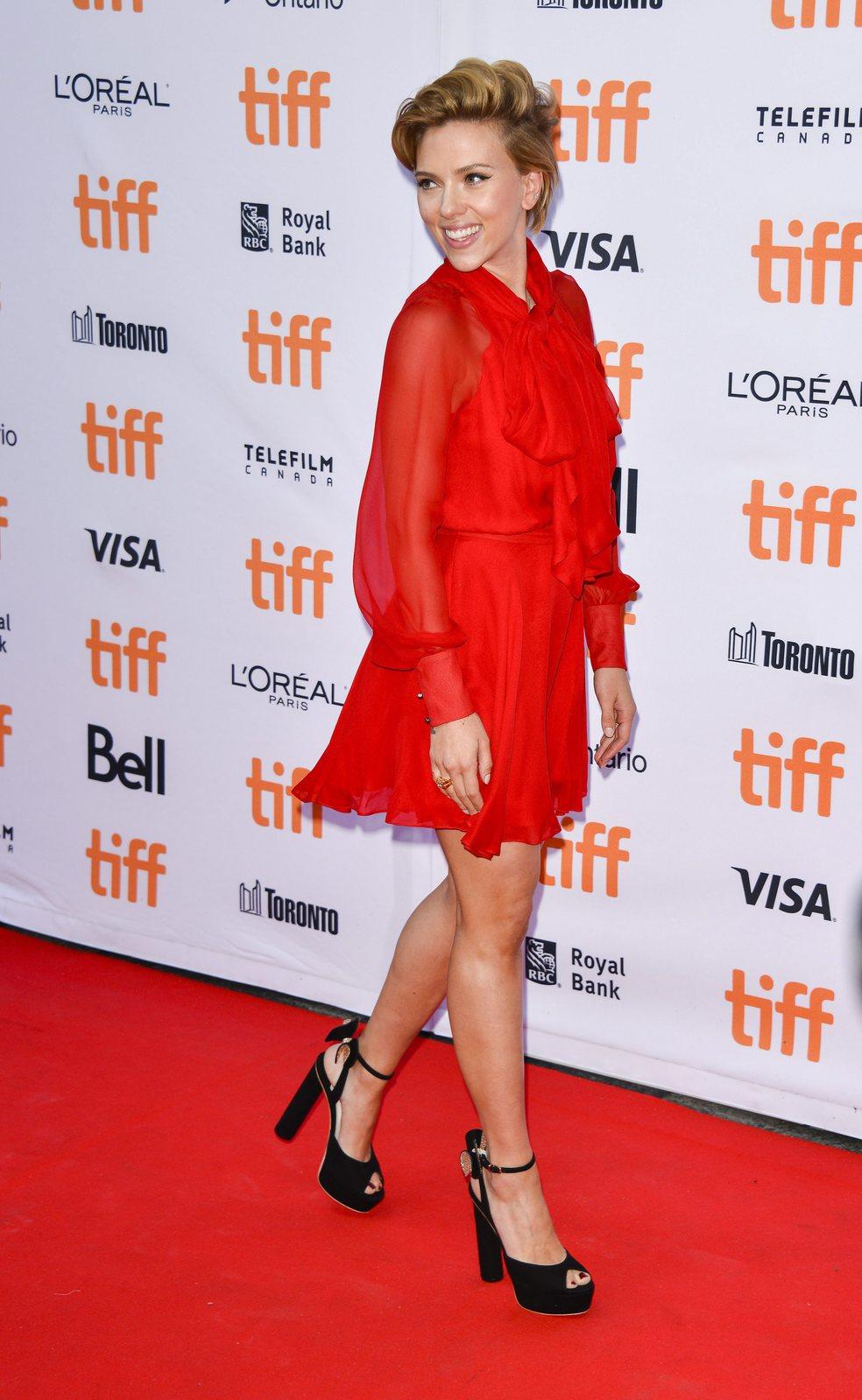 Scarlett Johansson az Énekelj! premierjén. Fotó: MTI/EPA
