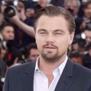 Leonardo DiCaprio amerikai színész A nagy Gatsby című filmjének bemutatója alkalmából tartott fotózáson a 66. Cannes-i Nemzetközi Filmfesztivál nyitónapján 2013. május 15-én. (MTI/EPA/Guillaume Horcajuelo)