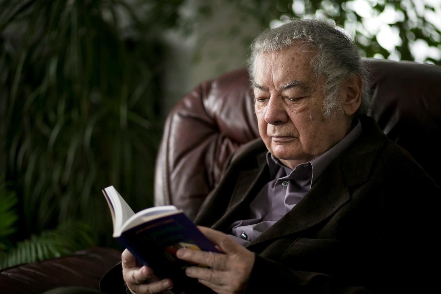 Üröm, 2013. január 29. A 2012-ben Kossuth-nagydíjjal kitüntetett Csoóri Sándor író ürömi otthonában 2013. január 29-én. MTI Fotó: Mohai Balázs