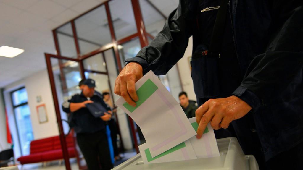 Elkezdődött a voksolás az amerikai magyar külképviseleteken