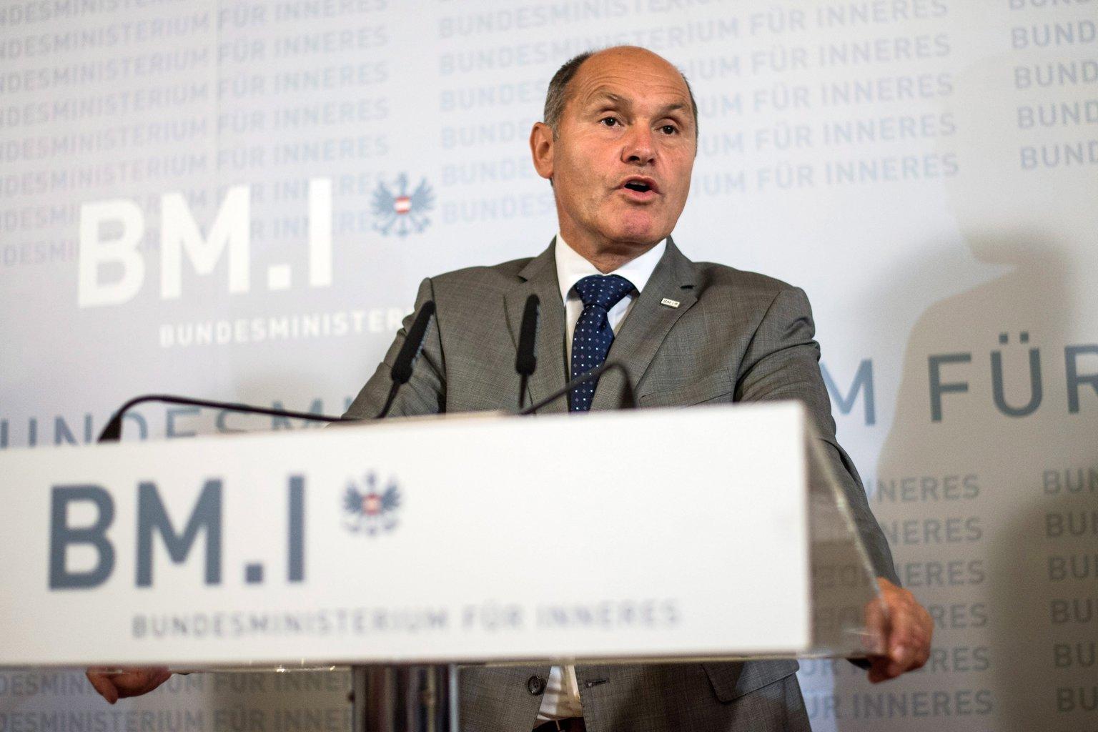 Wolfgang Sobotka osztrák belügyminiszter. MTI/EPA/Christian Bruna