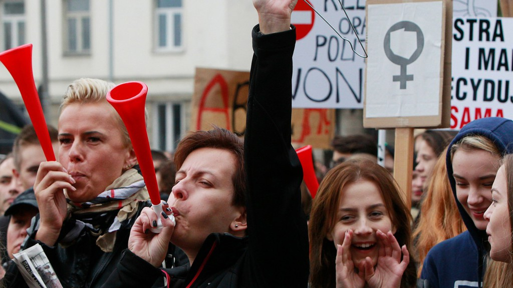 Több tízezren követelték az abortusz teljes betiltását Pozsonyban
