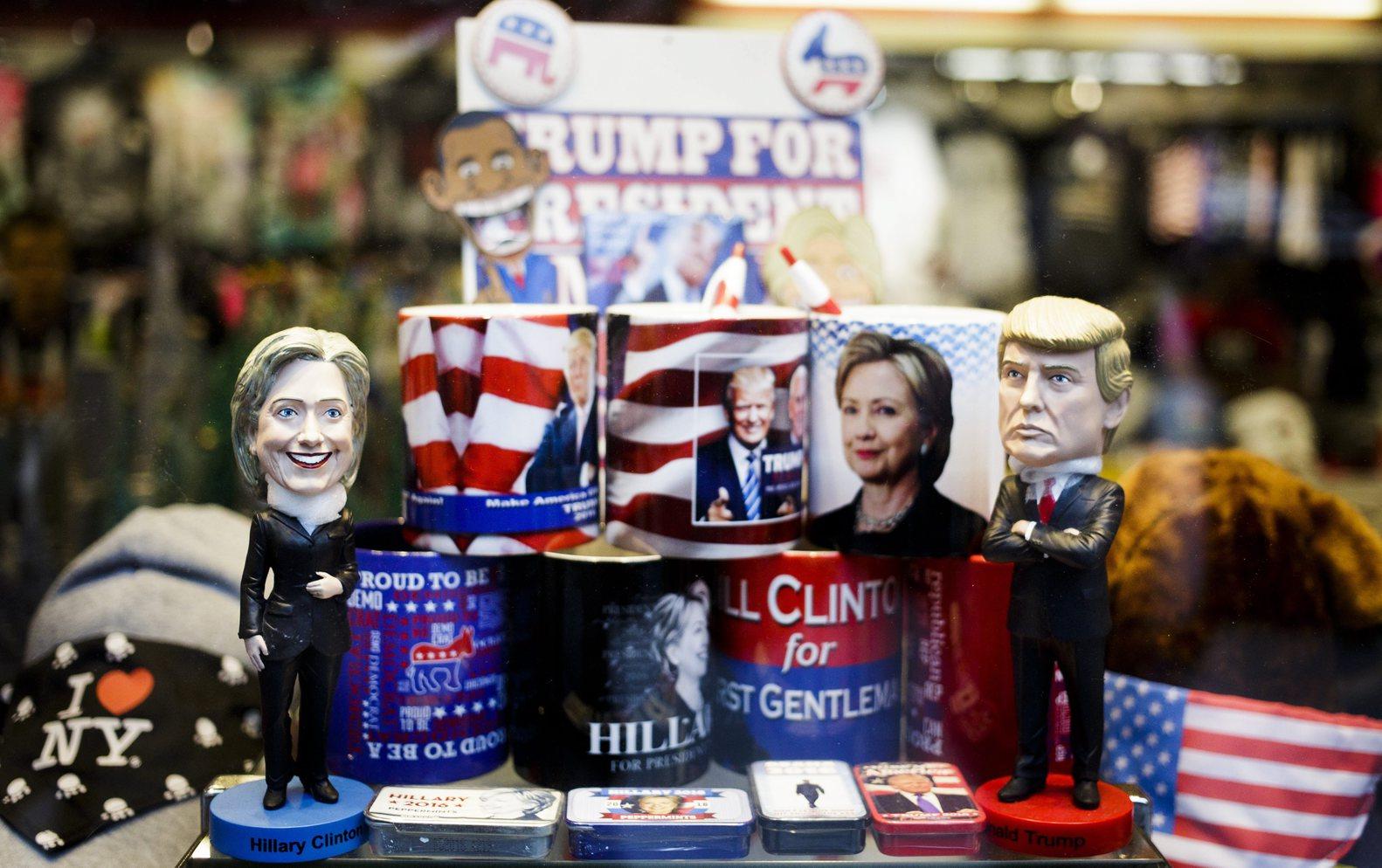 """Clinton és Trump """"ereklyéi"""" egyszerre lettek ízléstelenek és megismételhetetlenek (Fotó: EPA/JUSTIN LANE)"""