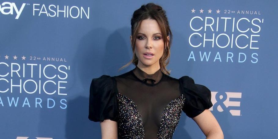 Kate Beckinsale parádésan helyre tette az őt kritizáló rajongóját