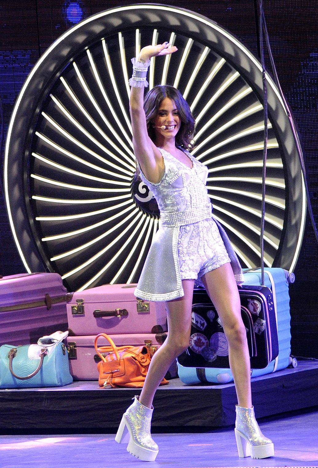 A Disney Channel Violetta című sorozatában Violetta Castillo szerepét alakító Martina Stoessel argentin színésznő, táncos, énekes ad koncertet a Papp László Budapest Sportarénában 2015. augusztus 29-én. MTI Fotó: Kovács Tamás