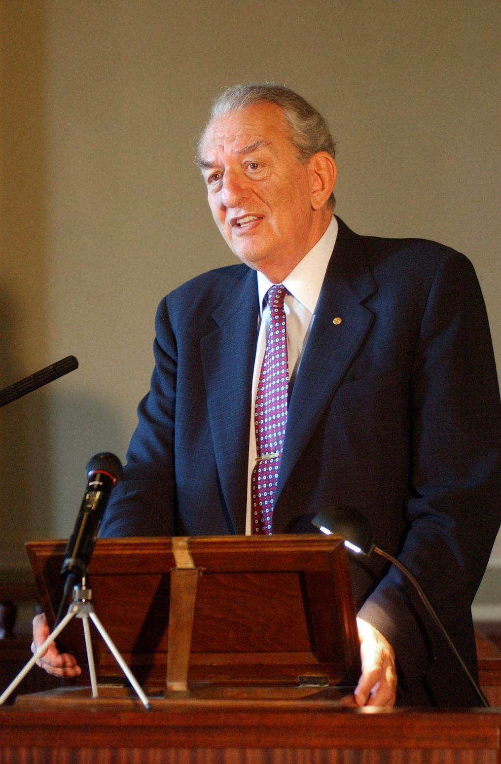 Oláh György (George A. Olah) Amerikában élő Nobel-díjas kémikus. MTI Fotó: Rózsahegyi Tibor
