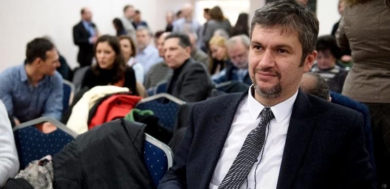 Az NVB nem hitelesítette Hadházy Ákos népszavazási kérdéseit