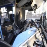 Ütközéstől összetört autóbusz a XVIII. kerületben, a Nagykőrösi út és Kalász utca kereszteződésében 2017. január 11-én. A BKK-busz egy hulladékgyűjtő teherautóval karambolozott, a balesetben a buszvezető könnyebben megsérült.<br /> MTI Fotó: Mihádák Zoltán