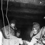 A magyar 2. hadsereg vadászrepülő alakulata a Don-kanyarban 1943. januárjában. Az alakulatot gyalogos utóvédnek hagyták vissza a németek visszavonulásának fedezésére (MTI Fotó: Reprodukció)
