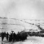 1943. január 13-án indította meg a Vörös Hadsereg átütő támadását a voronyezsi fronton. Képünkön harcállásba vonul a magyar 2. hadsereg a Don-kanyarban, a végtelen hómezőn. A felvételt Botta Ferenc haditudósító, az MTI Fotó későbbi főszerkesztője készítette a helyszínen (COPYRIGHT MTI Rt.)