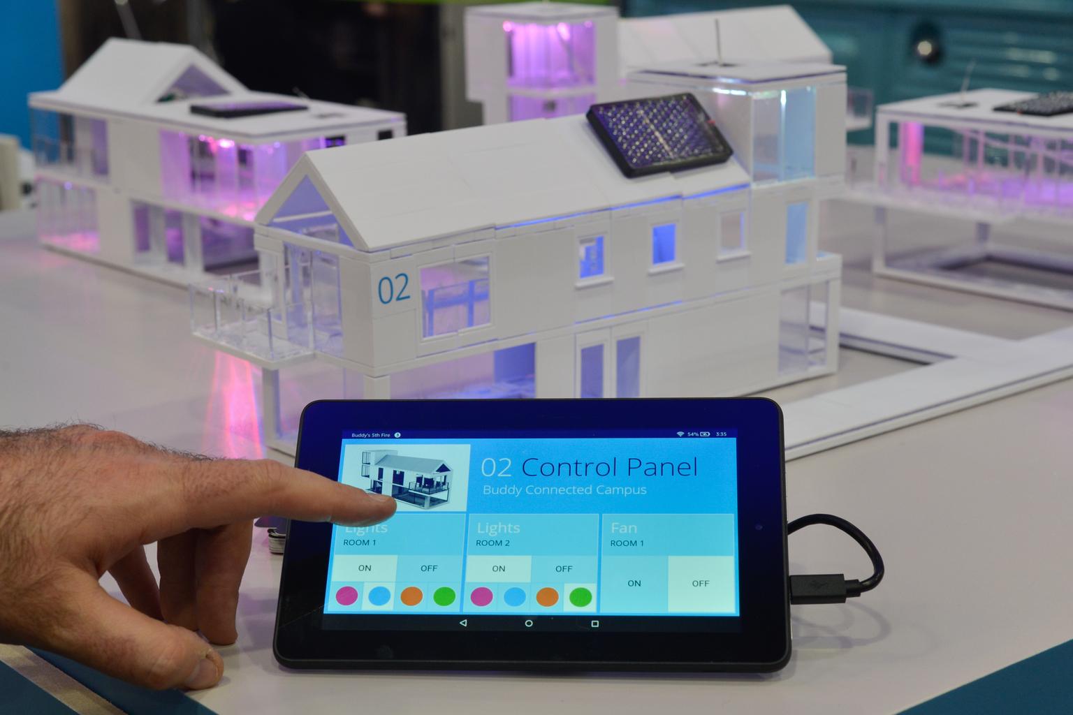 IoT-panel egy dublini konferencián. (Fotó: AFP)