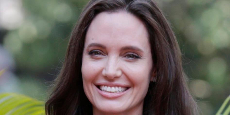 Angelina Jolie megtörte a csendet - kis híján elsírta magát, mikor válásáról kérdezték