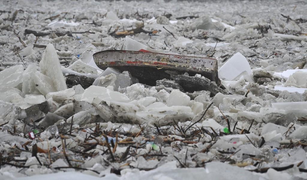 Nincs az a vas, ami több millió tonna jeget megállítana