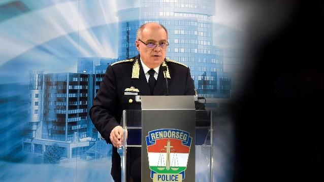 Papp Károly: A rendőrökben és a tűzoltókban is bízhatnak az emberek