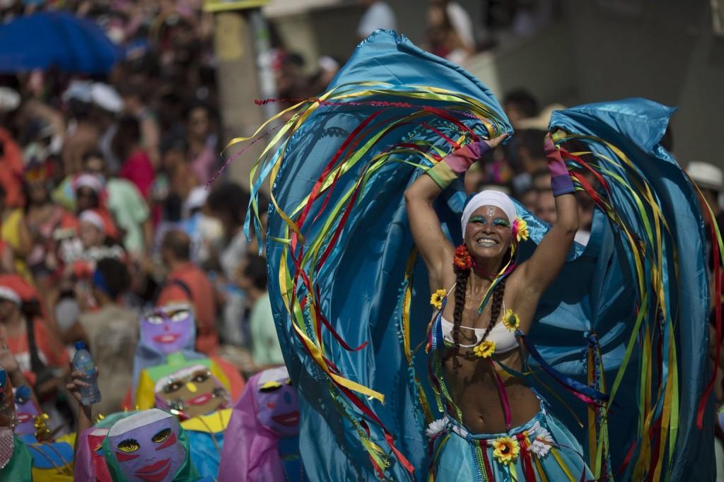 Száz év alatt először halasztották el a riói karnevált