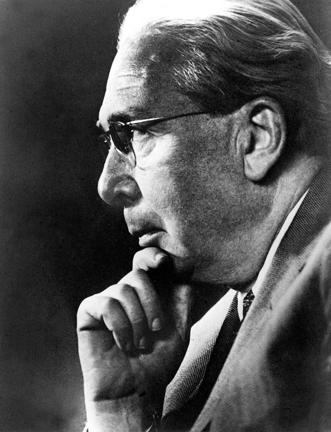 Amerikai Egyesült Államok, 1960-as évek Archív felvétel Szilárd Leó magyar származású amerikai Nobel-díjas atomfizikus, biofizikusról. Az eredeti felvétel készítésének pontos dátuma ismeretlen, a felvételt 1973-ban adták ki. (MTI/CP)