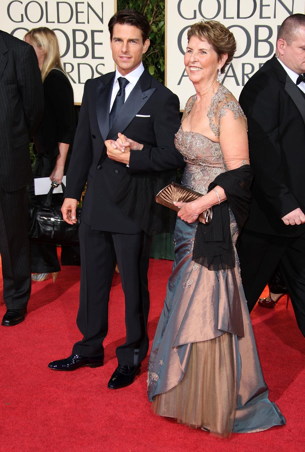 Tom Cruise édesanyjával a 2009-es Golden Globe-on. Fotó: AFP