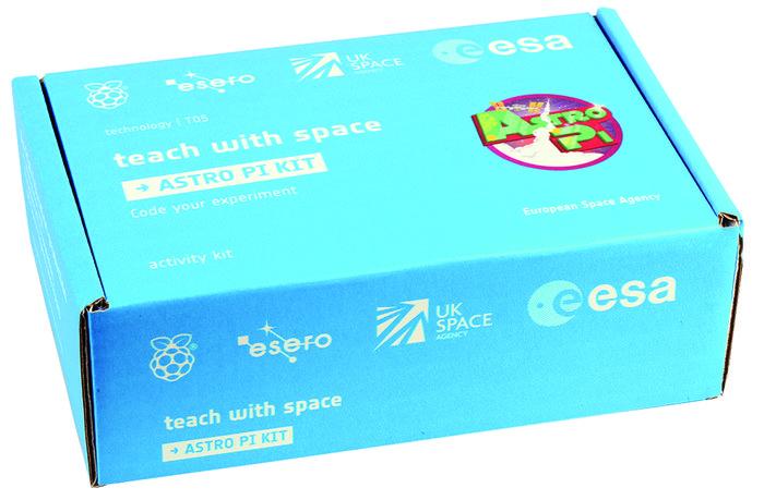 Annak a készüléknek doboza, amivel a kódokat a fejlesztők is kipróbálhatták. (Fotó: Táncsics Mihály Gimnázium, Kaposvár)