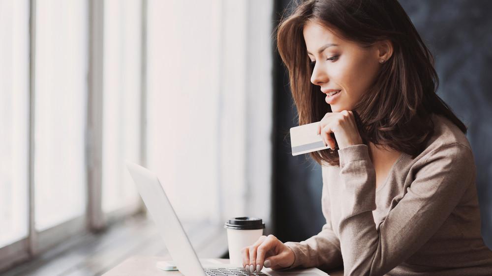 Csaló webáruházak – Ellenőrizze, honnan rendel!