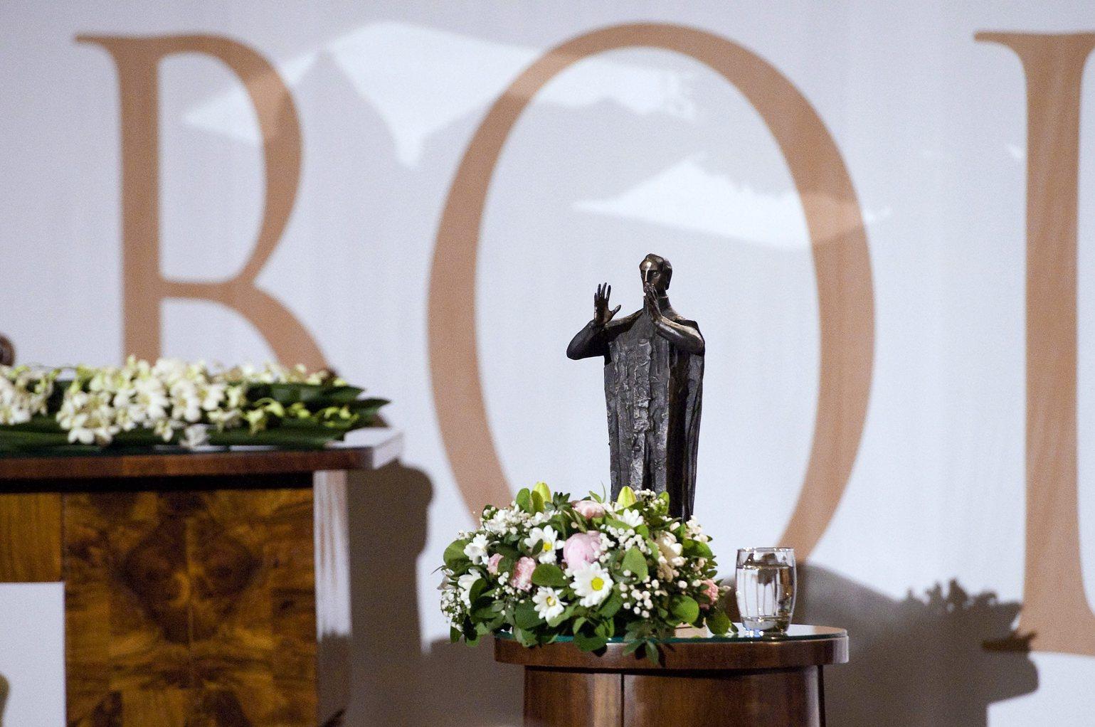 A Bolyai-díj. (MTI Fotó: Koszticsák Szilárd)