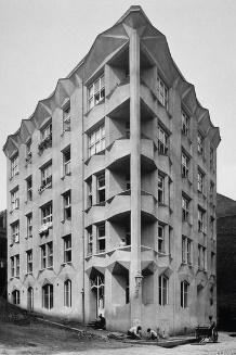 Az Oszágos Szeszértékesítők bérháza 1929-ből.