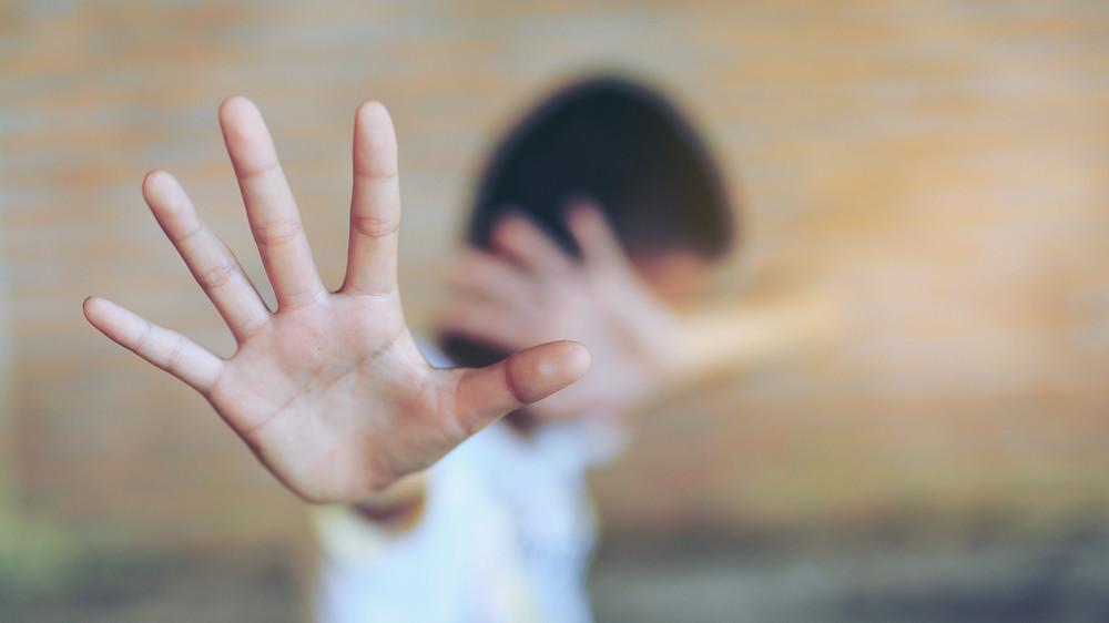 Hatéves kisfiút erőszakolt meg egy migráns