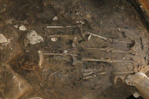 A Dél-Koreában fellelt,csontvázak, amelyek feltehetően rituális emberáldozat során meghalt emberek maradványai az 5. századból. Fotó: AFP