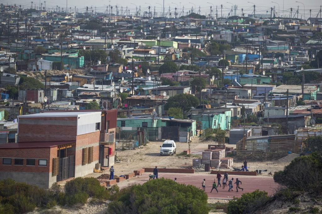 A Nyugat kirabolja a migráció küldő országait