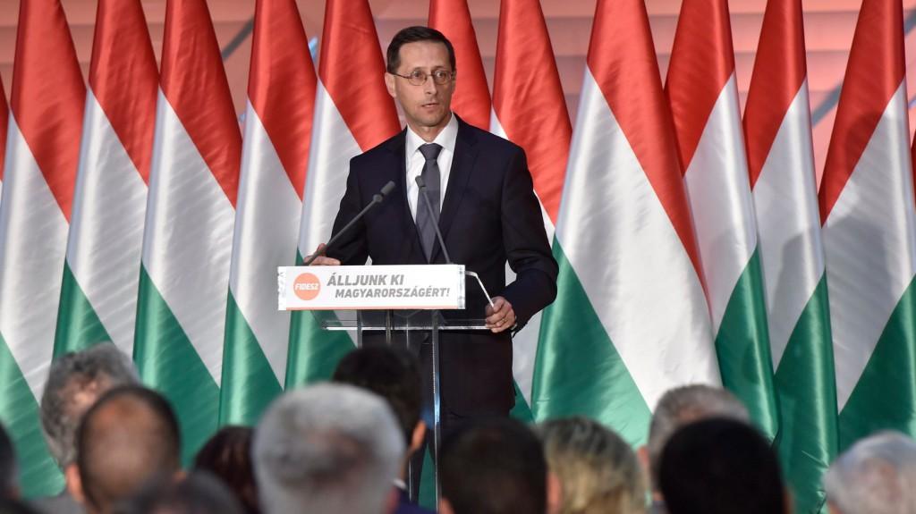 Varga: jelentős gazdasági sikereket ért el Magyarország